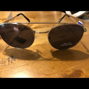 Tommy Hilfiger ladies sunglasses 🕶